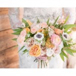 Here @lizybowden goes again with her flawless florals. Girlfriend has…