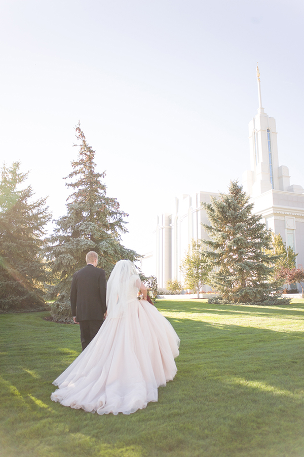 Lds Wedding Gowns For Rent : Lds mormon temple wedding bride groom autumn timpanogos utah g